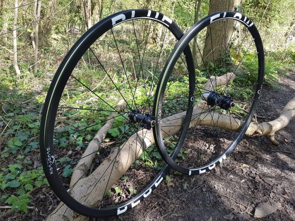 29 Race carbon wheelset