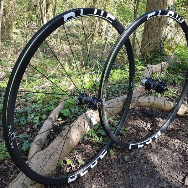 Blue Flow Wheels - Carbon Mountain Bike Wheels - White Graphics Side