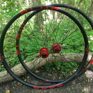 Beautiful handbuilt carbon mob wheel set, Blue Flow Wheels, MTB, Wheelsets, Mountain Bike Wheels, Custom built, Free UK Delivery