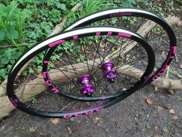 Carbon enduro wheels handbuilt in UK, Blue Flow Wheels, MTB, Wheelsets, Mountain Bike Wheels, Custom built, Free UK Delivery