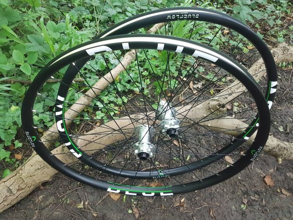 Free UK delivery carbon wheels, Blue Flow Wheels, MTB, Wheelsets, Mountain Bike Wheels, Custom built, Free UK Delivery