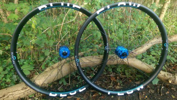 Blue Flow Wheels - Carbon Mountain Bike Wheels - 42mm Wide Asymmetric wheelsets